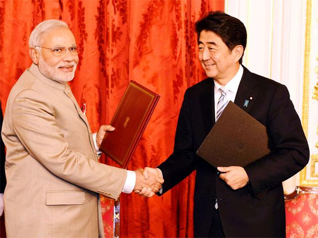 pm-narendra-modi-shinzo-abe-exchange-files